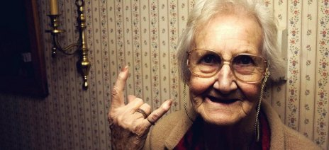 grandma-old-lady-rock-rock-on-funny-cool-unique-favim-com-460