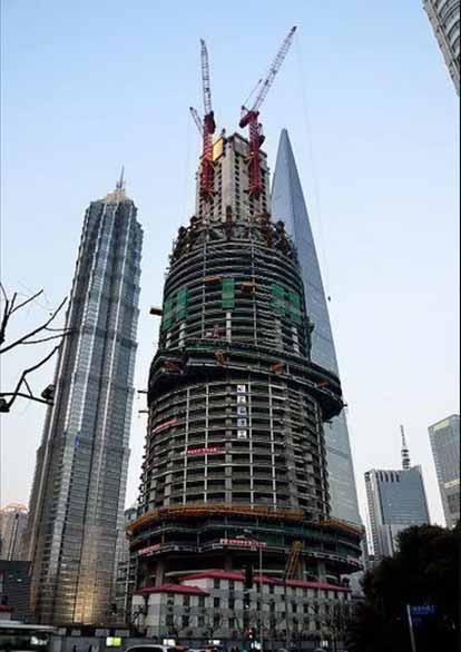 fotografii din timpul construirii turnul shanghai