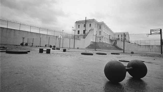 inchiderea inchisorii alcatraz