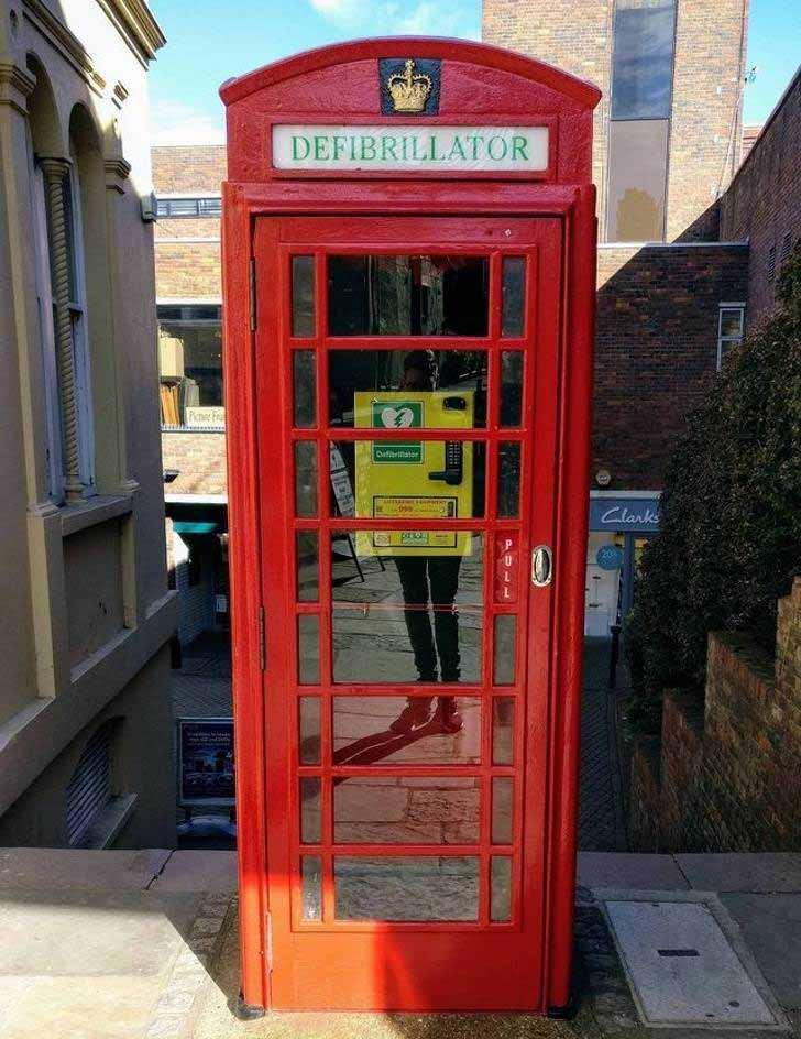 defibrilator telefon
