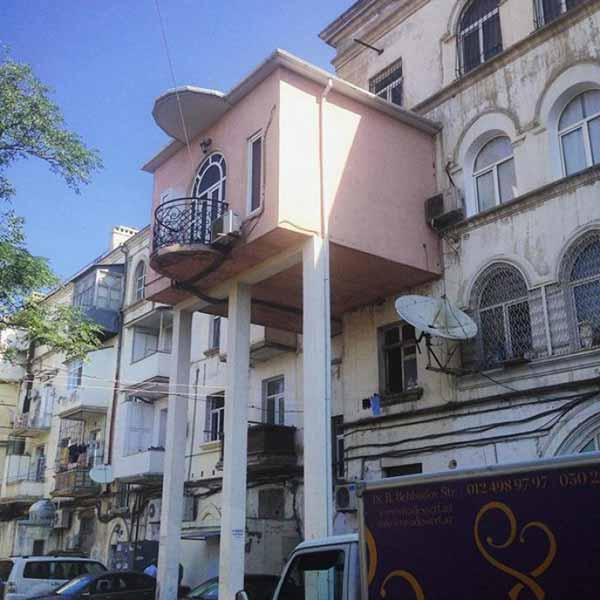 balcon cu turnulete
