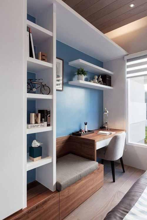 birou pentru economisirea spaţiului din casă
