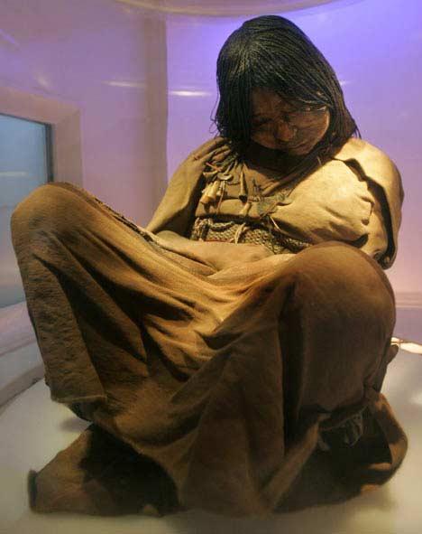 fata care a stat îngheţată 500 de ani