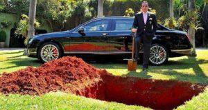 vrea să-şi îngroape maşina